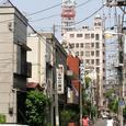 日本堤1丁目の家並み