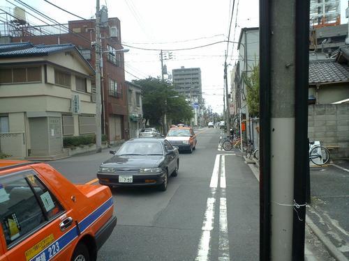 玉姫稲荷神社の前を通る道路