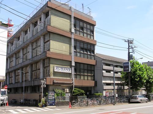 吉野通りに面した簡易宿所